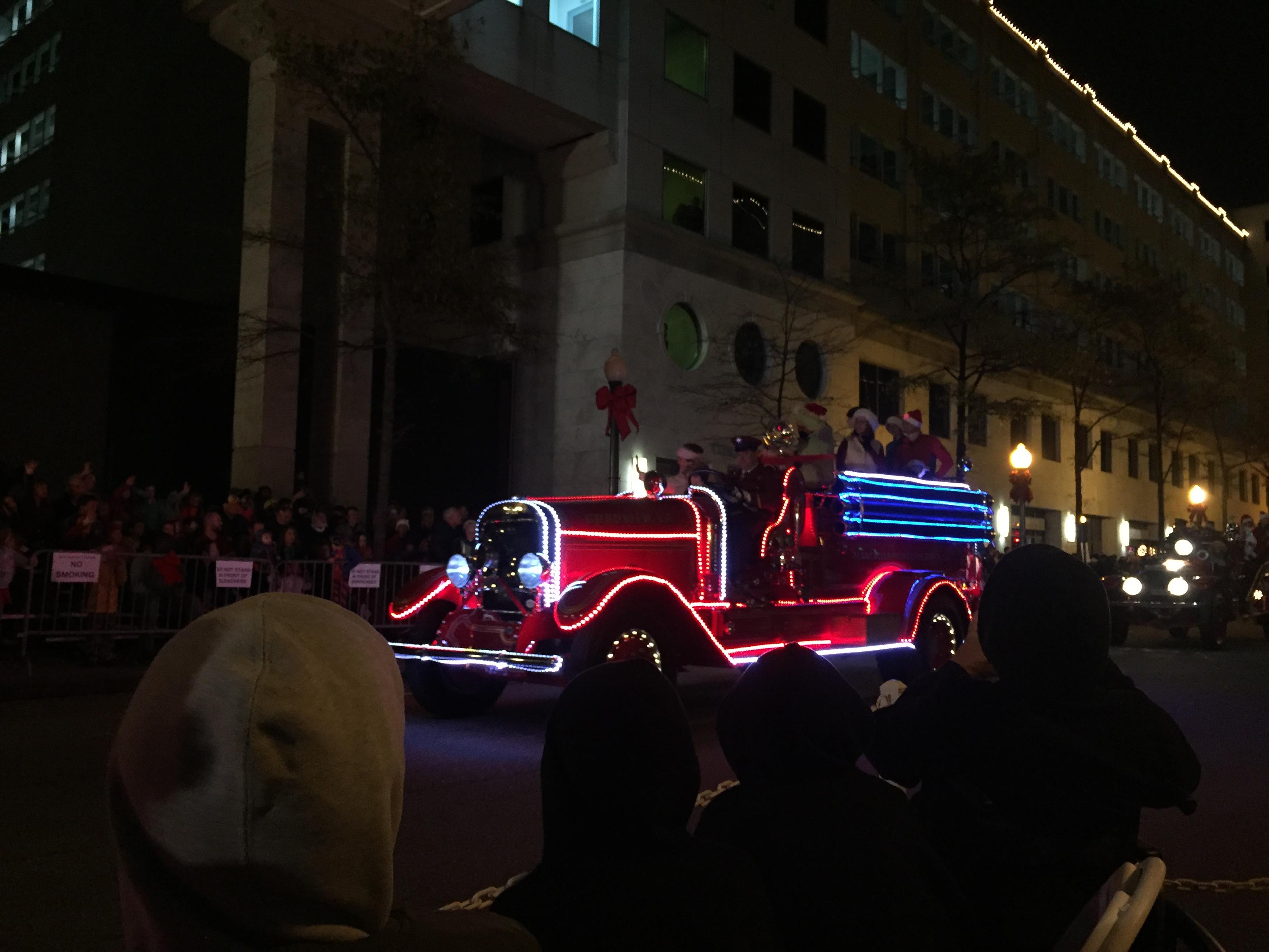 WATCH: The 2016 Grand Illumination Parade | 13NEWSNOW.com