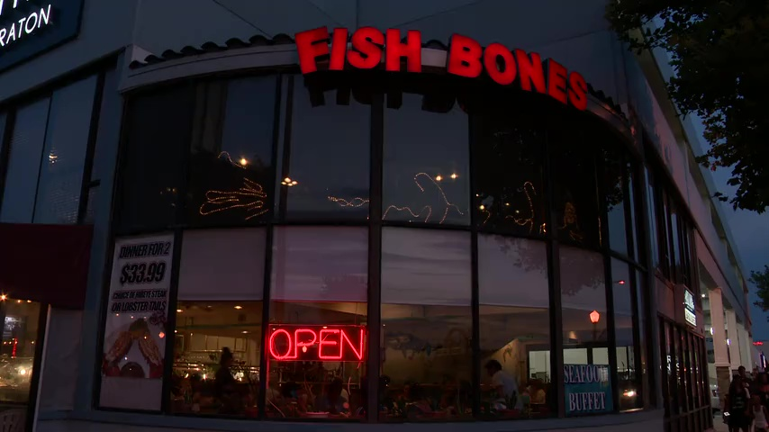Va beach diner jumps into lake to avoid paying the bill for Fish bones va beach